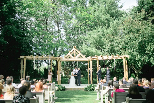 What to know about online wedding planning tools